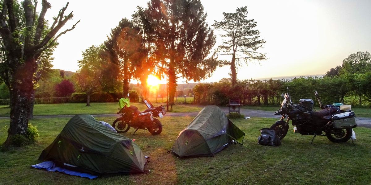 Motorrad Tour mit Zelt